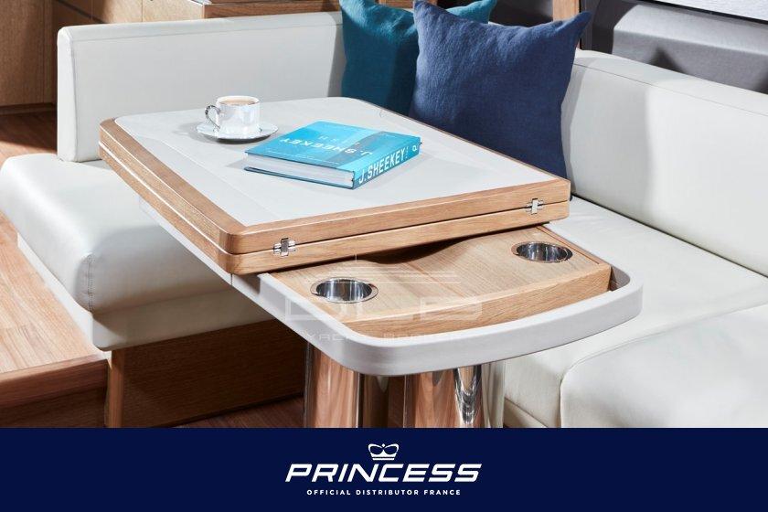 PRINCESS V65
