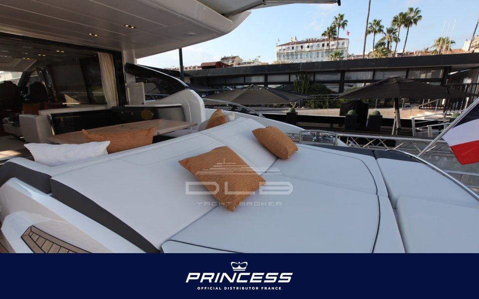 PRINCESS S72