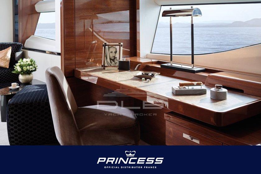 PRINCESS 35M