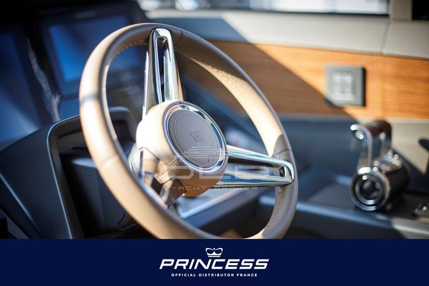 PRINCESS  V60