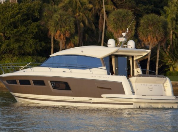 Flybridge PRINCESS 460. Builder: PRINCESS